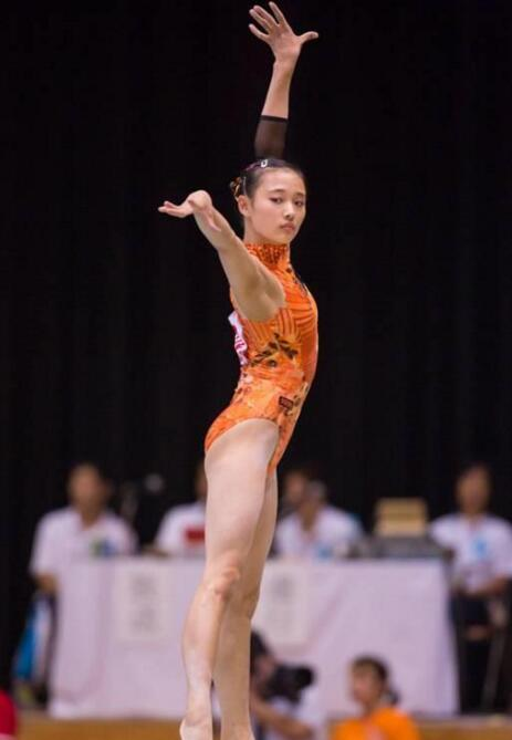 NO4、日本体操女运动员中路紫帆